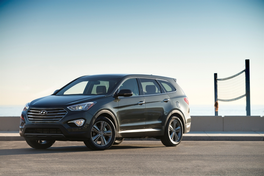 three row hyundai santa fe has six or seven seats. Black Bedroom Furniture Sets. Home Design Ideas